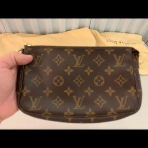 Louis Vuitton Monogram Pochette 100% authentic
